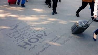 Les publicités sur les trottoirs en expérimentation