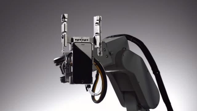 Apple a présenté son robot Liam lors de la keynote du 21 mars 2016.