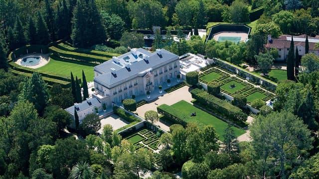 Cette villa est à vendre pour 350 millions de dollars.