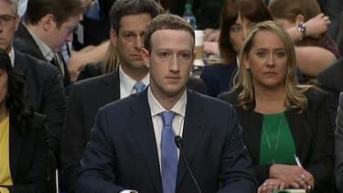 Mark Zuckerberg devant le Sénat.