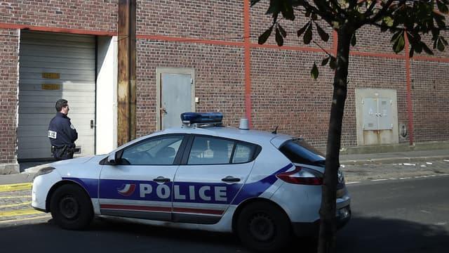 Des policiers à Pantin, la semaine dernière, après un braquage.