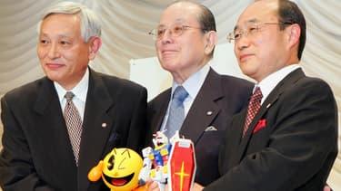 Masaya Nakamura, au centre.