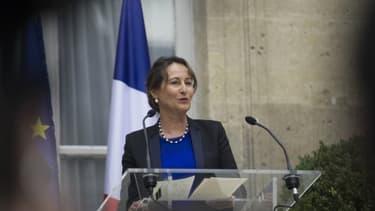 Ségolène Royal veut remplacer l'écotaxe en soumettant les camions étrangers qui circulent en France à des obligations.