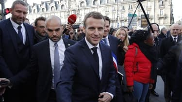 Emmanuel Macron, lors de sa visite à Charleville-Mézières le 7 novembre.
