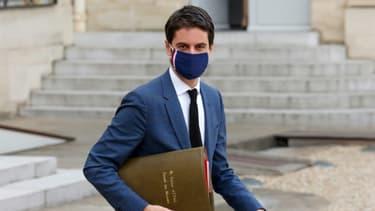 Le porte-parole du gouvernement Gabriel Attal, le 10 mars 2021 à Paris