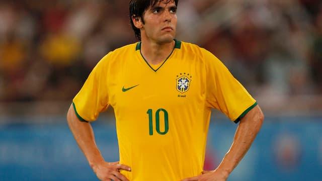 Kaka, le milieu brésilien du Real Madrid, va peut-être devoir être opéré du genou