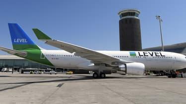 La filiale du groupe IAG défie les compagnies françaises et étrangères avec ses vols transatlantiques bon marché sur Montréal et les Antilles.