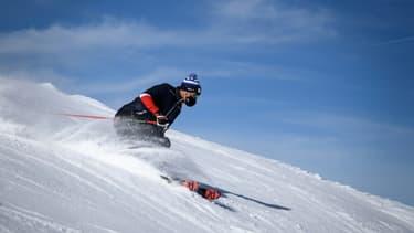 L'ancien champion olympique de ski Didier Défago, président des Remontées mécaniques du canton du Valais, sur les pistes de Verbier, en Suisse, le 15 novembre 2020