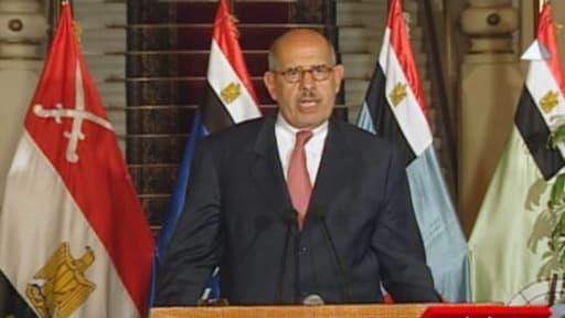 La nomination de Mohamed El Baradei comme Premier ministre, annoncée samedi soir, a finalement été démentie.