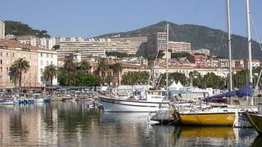 La Corse, avec ici la ville d'Ajaccio, a connu une croissance annuelle moyenne de 1,9% sur la période 2008-2011.