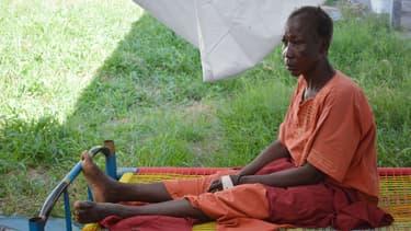 Une femme atteinte par le choléra attend des soins à Juba, le 20 mai 2014.