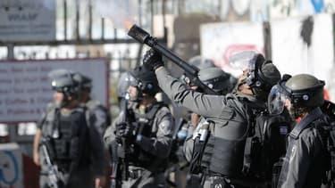 Les forces de l'ordre israéliennes se heurtent à des manifestants palestiniens, le 7 décembre 2017