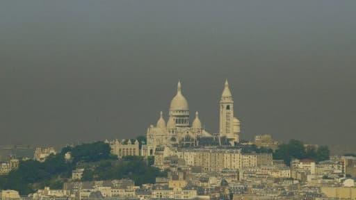 Paris touché par la pollution lors de la canicule de 2003 - Image d'illustration