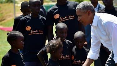L'ancien président américain le 16 juillet dernier lors de l'inauguration du centre de jeunesse ouvert au Kenya par sa demi-soeur.