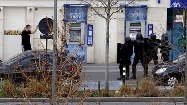 Colombes: le preneur d'otages interpellé, pas de blessé