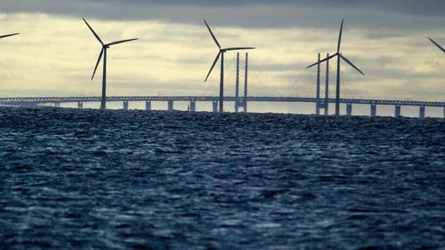 Les onze turbines du premier parc éolien offshore au monde auront toutes été démontées d'ici à la fin du mois de mars. (image d'illustration)