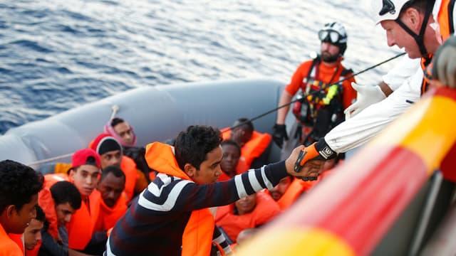 Quatre migrants sont morts, et 34 autres ont pu être secourus lors du naufrage de leur embarcation au large des côtes marocaines.