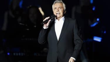 Michel Sardou sur scène en décembre 2012