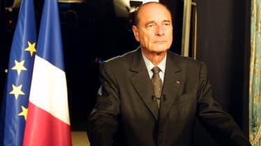 Jacques Chirac s'adresse aux Français lors d'une allocution télévisée depuis l'Elysée, le 7 octobre 2001.