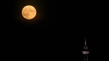 Pleine lune à Berlin le 27 octobre 2015.