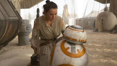 """Daisy Ridley et BB-8 seront de retour dans """"Star Wars VIII"""""""