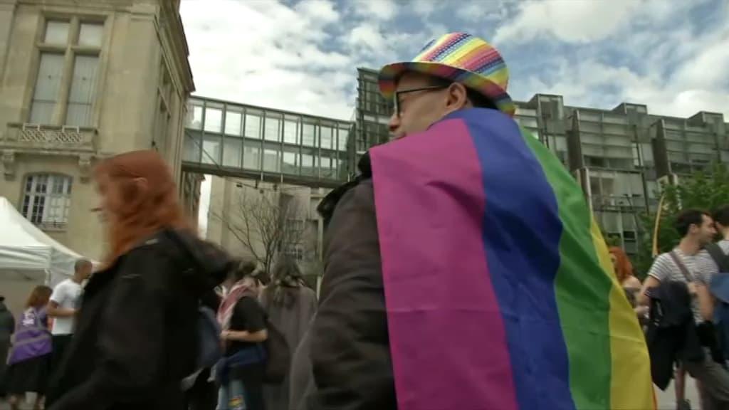 rencontre gay 18 à Saint Denis