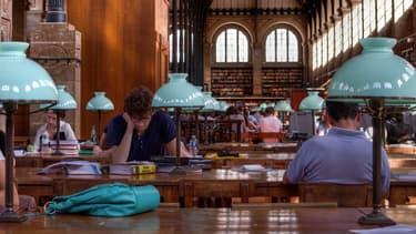 La bibliothèque de la Sorbonne à Paris.