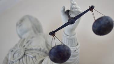 Statue allégorique de la justice.