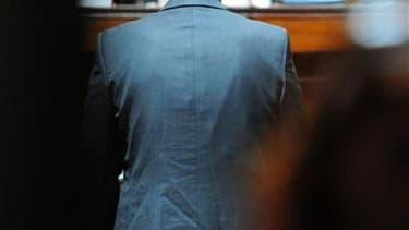 Le juge chargé de l'enquête sur les abus éventuels de la fortune de l'héritière de L'Oréal Liliane Bettencourt a confronté vendredi son ex-homme de confiance Patrice de Maistre (ci-dessus face au Tribunal de Bordeaux en mars) à d'autres anciens employés a