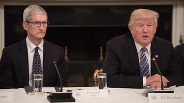 Donald Trump a déclaré au patron d'Apple Tim Cook que les iPhones assemblés en Chine seraient exonérés des droits de douane sur les produits chinois.