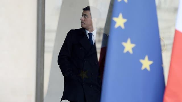 Manuel Valls annonce 2,1 milliards de prêts européens pour des investissements en France.