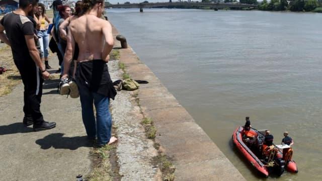 Les opérations de recherche des secours à Nantes le 25 juin dernier. - SEBASTIEN SALOM-GOMIS / AFP