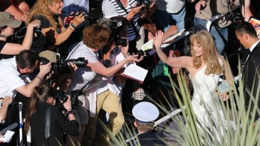 Arielle Dombasle sur le tapis rouge de Cannes, le 23 mai dernier.