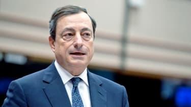 Mario Draghi ne voit pas de reprise pour la zone euro avant le second semestre
