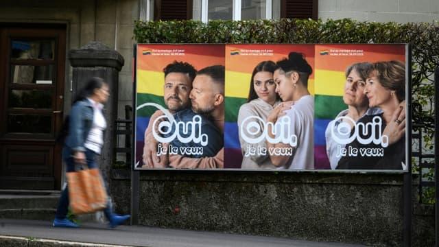 Affiches électorales pro-mariage pour tous à Lausanne, en Suisse, le 22 septembre 2021