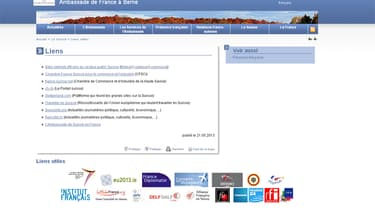 Selon la députée, cette page affichait un lien renvoyant à un site permettant d'ouvrir un compte en Suisse. Le lien en question n'apparaît désormais plus.