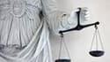 Une peine de deux ans de prison avec sursis et 375.000 euros d'amende a été requise contre Antoine Zacharias, ex-PDG du géant des travaux publics Vinci, jugé pour rémunération abusive. /Photo prise le 2 avril 2009/REUTERS/Stéphane Mahé