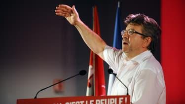 Jean-Luc Mélenchon veut que tout le monde paie des impôts.