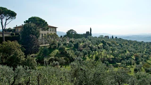 Cette villa est à vendre pour 140 millions d'euros, mais ce n'est peut-être pas ce prix qui fera céder le propriétaire.