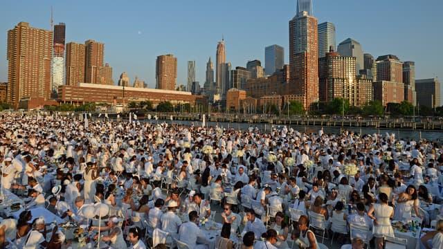 Le 5e dîner en blanc de New York a regroupé quelque 5.000 participants sur le Pier 26.