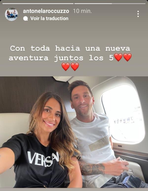 Antonela Roccuzzo et Lionel Messi dans l'avion pour Paris