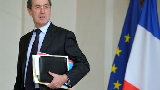 Claude Guéant aurait touché 10 000 euros de primes par mois entre 2002 et 2004.