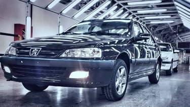 """La """"406 Khazar"""" est en réalité plutôt une Peugeot 405 modernisée."""