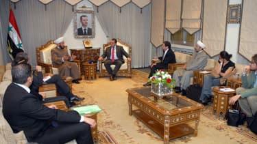 Ahmad Badreddin Hassoun, le grand mufti de Syrie, avec des représentants français lors d'une rencontre en octobre 2015 (image d'illustration)