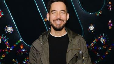 Mike Shinoda, membre fondateur de Linkin Park, a travaillé sur l'identité sonore de Mastercard, dévoilée aux derniers Grammy's.