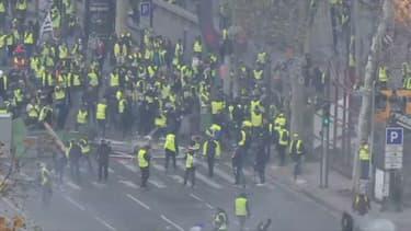 Manifestation des gilets jaunes sur les Champs-Élysées, le 24 novembre 2018