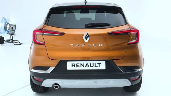 Le Captur aborde une nouvelle face arrière, plus moderne.