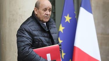 Le ministre des Affaires étrangères Jean-Yves Le Drian à la sortie de l'Elysée, le 11 décembre 2019