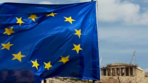 """L'appartenance des pays en général, et de la Grèce en particulier, à la zone euro, est """"irrévocable"""", juge Bruxelles ce lundi."""