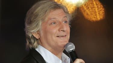 Samedi soir, Patrick Sébastien a interprété sa nouvelle chanson aux paroles équivoques.